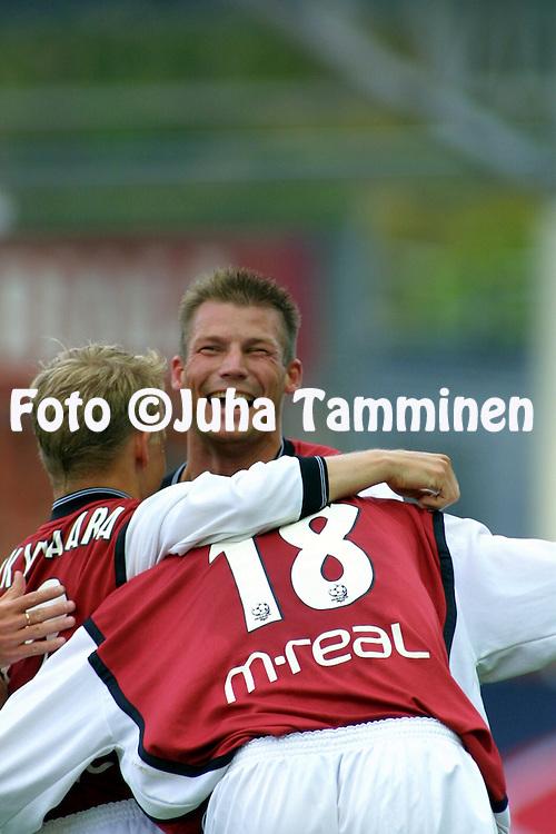 30.07.2001 Helsinki, Finland. Veikkausliiga, FC Jokerit v Myllykosken Pallo-47. Jussi Nuorela (MyPa)..©JUHA TAMMINEN