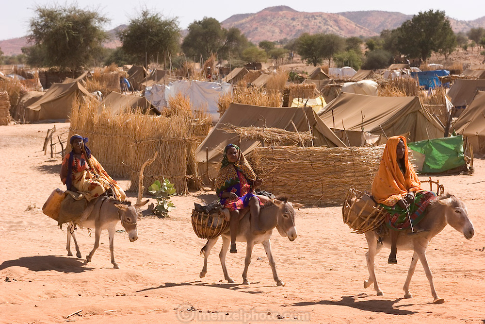 The Breidjing Refugee Camp, Eastern Chad on the Sudanese border shelters 30,000 people who have fled their homes in Darfur, Sudan. (Supporting image from the project Hungry Planet: What the World Eats.)