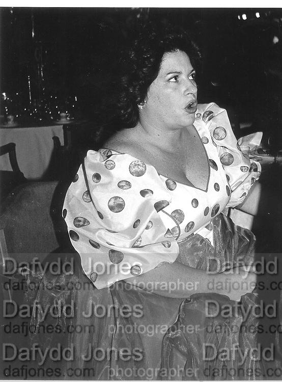 Mardesa Di Francisci. Grosvenor House. 1984© Copyright Photograph by Dafydd Jones 66 Stockwell Park Rd. London SW9 0DA Tel 020 7733 0108 www.dafjones.com