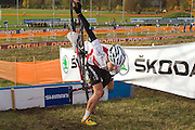 CZECH REPUBLIC / TABOR / WORLD CUP / CYCLING / WIELRENNEN / CYCLISME / CYCLOCROSS / VELDRIJDEN / WERELDBEKER / WORLD CUP / COUPE DU MONDE / #2 / SWISS CYCLIST FALLS OVER THE HURDLE /