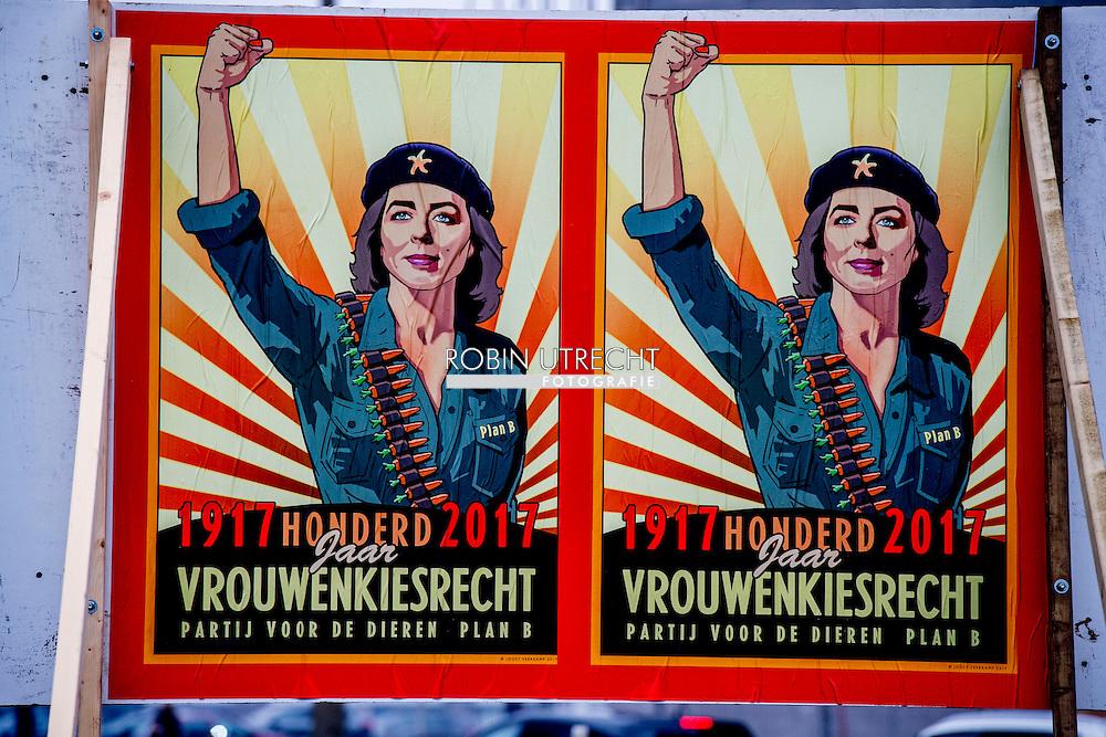 ROTTERDAM -  verkiezingsborden in het centrum van rotterdam, marianne thieme denk en de sgp  ROBIN UTRECHT