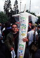 Roma 2003.Marijuana Day.Manifestazione  antiproibizionista per la legalizzazione della cannabis.Manifestation anti-prohibitionist for the legalization of cannabis.