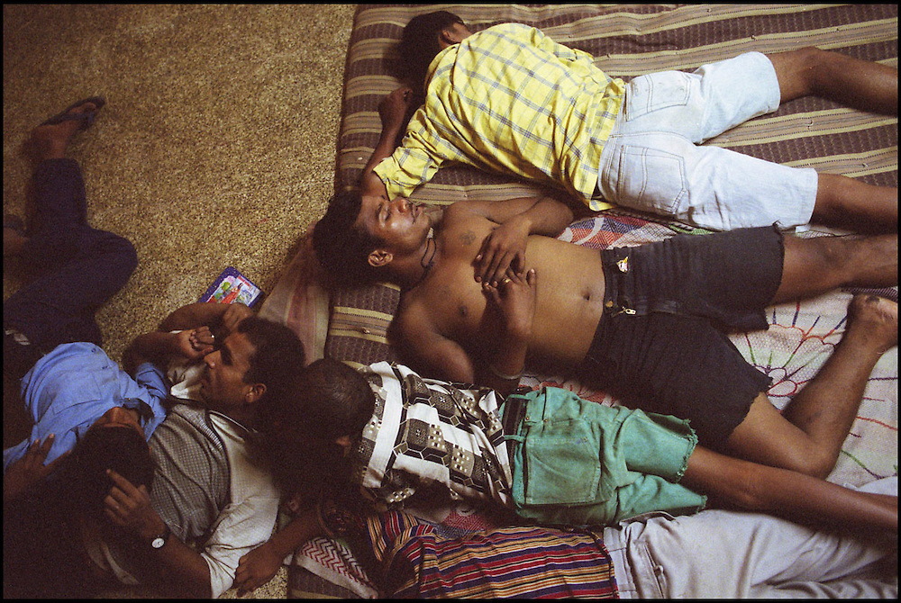 INDIA. Mumbai (Bombay). 2002. Children and adolescents sleep on the floor of the shelter.