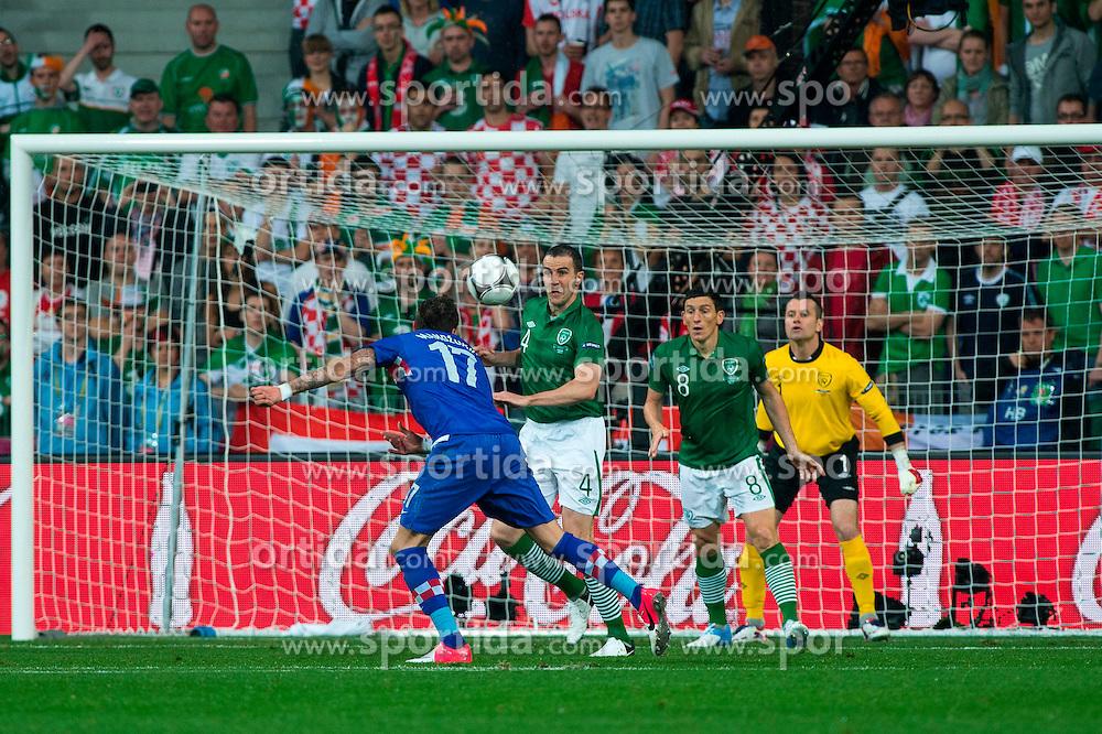10.06.2012, Staedtisches Stadion, Posen, POL, UEFA EURO 2012, Irland vs Kroatien, Gruppe C, im Bild BRAMKA GOL RADOSC GOAL MARIO MANDZUKIC // during the UEFA Euro 2012 Group C Match between Ireland and Croatia at the Municipal Stadium Poznan, Poland on 2012/06/10. EXPA Pictures © 2012, PhotoCredit: EXPA/ Newspix/ Jakub Kaczmarczyk..***** ATTENTION - for AUT, SLO, CRO, SRB, SUI and SWE only *****