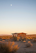 House of mirrors: The incredible cabin in the California desert that appears to be see-through<br />