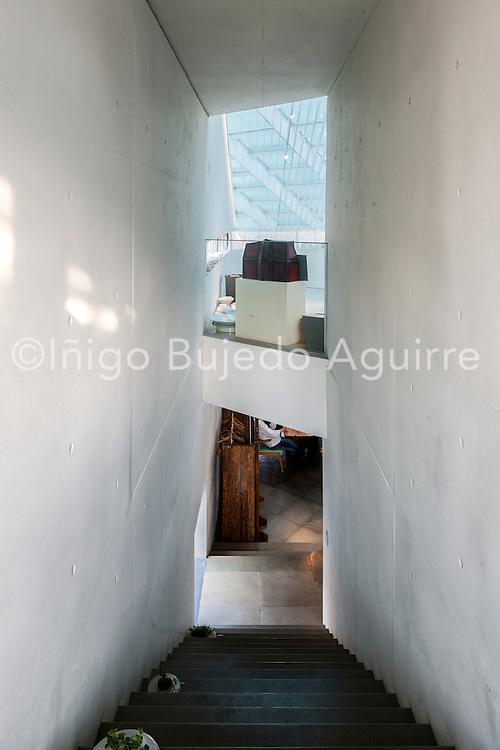 Stairway. Songwon Art Center / Bien-etre Restaurant, Seoul, Korea, South. Architect: Mass Studies, 2012.