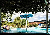 Piscinas de água mineral da Companhia Hidromineral do Oeste Catarinense (Hidroeste). Águas de Chapecó, Santa Catarina, Brasil.