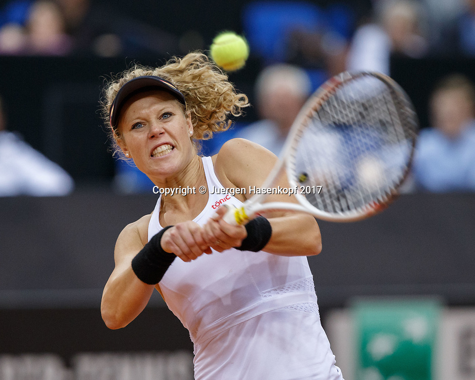 GER-UKR, Deutschland - Ukraine, <br /> Porsche Arena, Stuttgart, internationales ITF  Damen Tennis Turnier, Mannschafts Wettbewerb,<br /> Team German Doppel: LAURA SIEGEMUND und CARINA WITTHOEFT