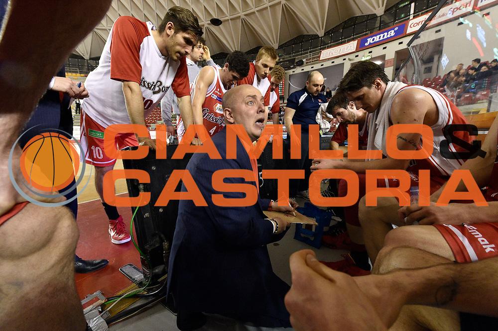 DESCRIZIONE : Roma Lega A 2014-2015 Acea Roma Grissinbon Reggio Emilia<br /> GIOCATORE : Massimiliano Menetti<br /> CATEGORIA : timeout<br /> SQUADRA : Grissinbon Reggio Emilia<br /> EVENTO : Campionato Lega A 2014-2015<br /> GARA : Acea Roma Grissinbon Reggio Emilia<br /> DATA : 16/03/2015<br /> SPORT : Pallacanestro<br /> AUTORE : Agenzia Ciamillo-Castoria/GiulioCiamillo<br /> GALLERIA : Lega Basket A 2014-2015<br /> FOTONOTIZIA : Roma Lega A 2014-2015 Acea Roma Grissinbon Reggio Emilia<br /> PREDEFINITA :
