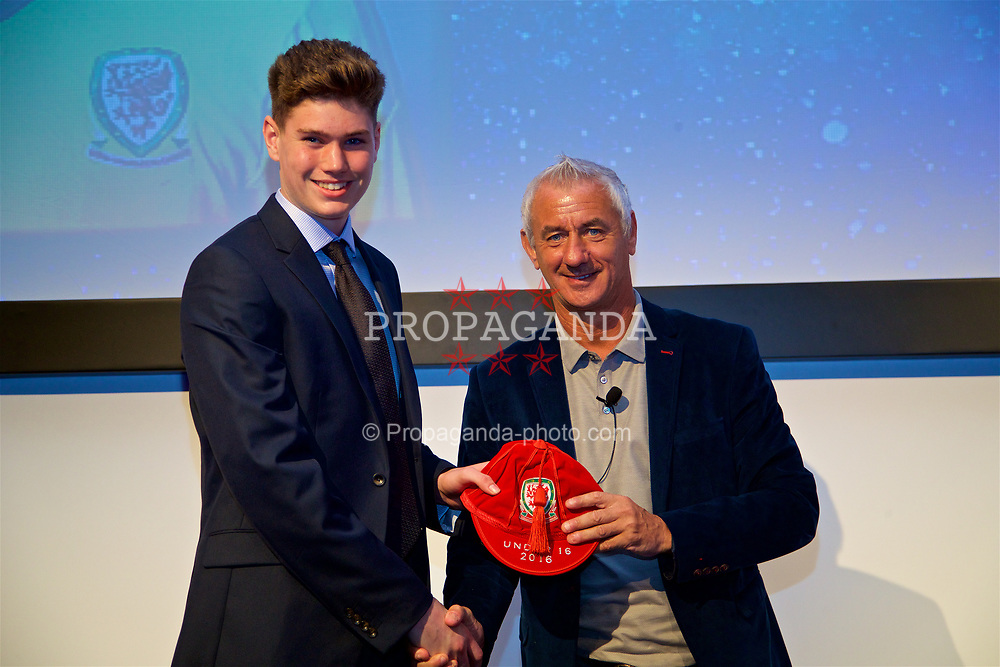 NEWPORT, WALES - Saturday, May 27, 2017: Daniel Barden receives his Under-16 Wales cap from Wales' Elite Performance Director Ian Rush at the Celtic Manor Resort. (Pic by David Rawcliffe/Propaganda)