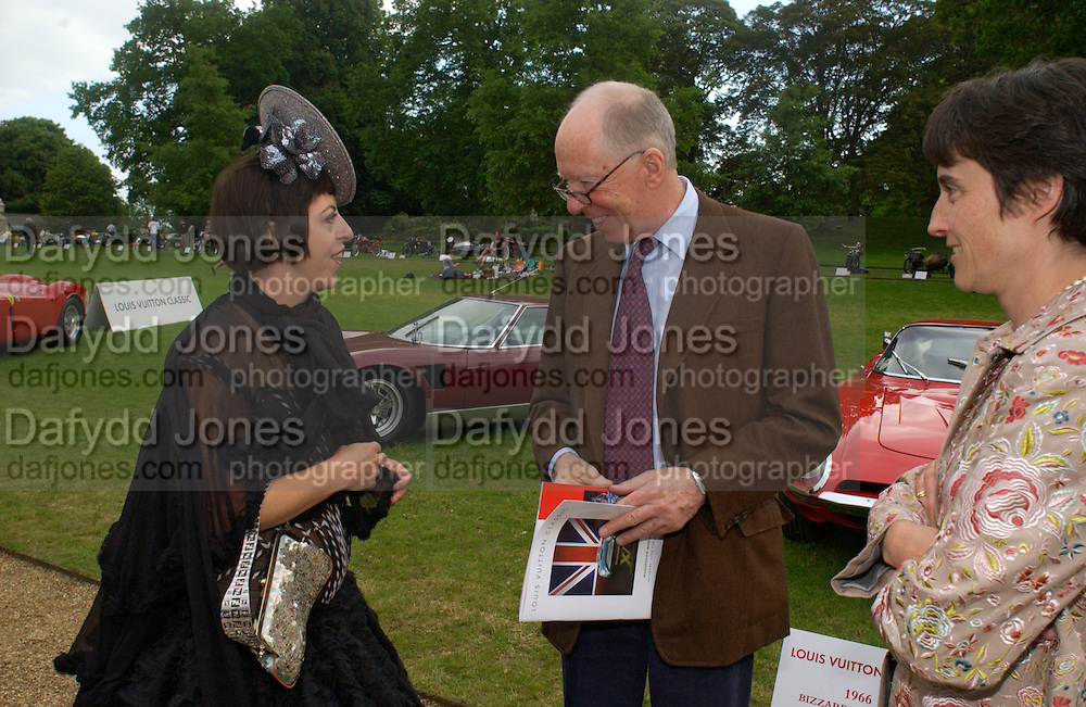 Isabella Blow and Lord Rothschild, , Louis Vuitton classic and celebration of their 150 anniversary. Waddesdon Manor, June 4 2004. ONE TIME USE ONLY - DO NOT ARCHIVE  © Copyright Photograph by Dafydd Jones 66 Stockwell Park Rd. London SW9 0DA Tel 020 7733 0108 www.dafjones.com