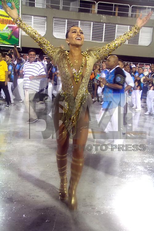 RIO DE JANEIRO; RJ; 20 DE JANEIRO 2013 - ENSAIOS TÉCNICOS CARNAVAL RJ - A rainha da Unidos da Vila Isabel, Sabrina Sato, na Sapucaí. FOTO: NÉSTOR J. BEREMLUM - BRAZIL PHOTO PRESS.