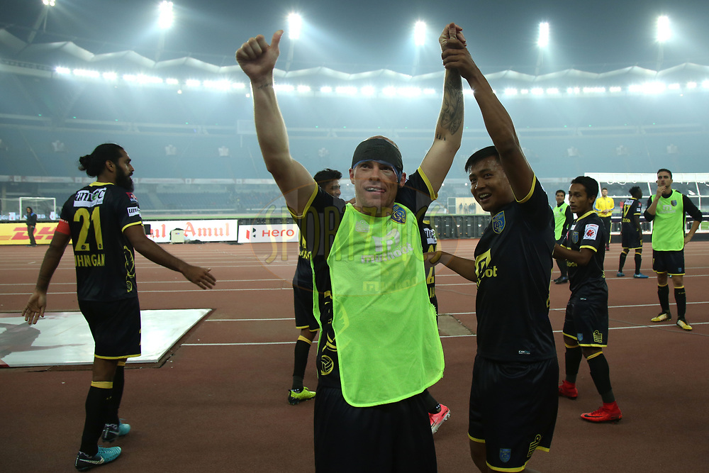 Iain Hume of Kerala Blasters FC celebrate win during match 43 of the Hero Indian Super League between Delhi Dynamos FC and Kerala Blasters FC  held at the Jawaharlal Nehru Stadium, Delhi, India on the 10th January 2018<br /> <br /> Photo by: Deepak Malik  / ISL / SPORTZPICS