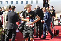 15.07.2014, Flughafen, München, GER, FIFA WM, Empfang der Weltmeister in Deutschland, Finale, im Bild Thomas Mueller #13 (Deutschland) kommt aus der Maschine // during Celebration of Team Germany for Champion of the FIFA Worldcup Brazil 2014 at the Flughafen in München, Germany on 2014/07/15. EXPA Pictures © 2014, PhotoCredit: EXPA/ Eibner-Pressefoto/ Kolbert<br /> <br /> *****ATTENTION - OUT of GER*****