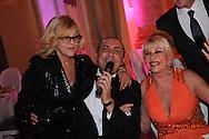 ©www.agencepeps.be/ F.Andrieu  - France - Paris - 111211 - Pavillon Dauphine - Prix The Best - Massimo Gargia<br /> <br /> Nicoleta - Ivana Trump