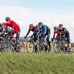 05-03-2016: Wielrennen: Ster van Zwolle: Zwolle<br />ZWOLLE (NED) wielrennen:  <br />De Ster van Zwolle is traditionele opening van het Nederlandse wielerseizoen. De 56e editie van de Ster kende mede door een gebrek aan wind. Dylan van Zijl (rood-zwarte helm) in het peloton tussen Hasselt en Genemuiden. De dijk bracht geen beslissing