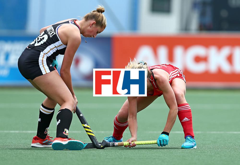 New Zealand, Auckland - 18/11/17  <br /> Sentinel Homes Women&rsquo;s Hockey World League Final<br /> Harbour Hockey Stadium<br /> Copyrigth: Worldsportpics, Rodrigo Jaramillo<br /> Match ID: 10293 - ENG vs GER<br /> Photo: (11) PETTY Suzy against (30) GRANITZKI Hanna
