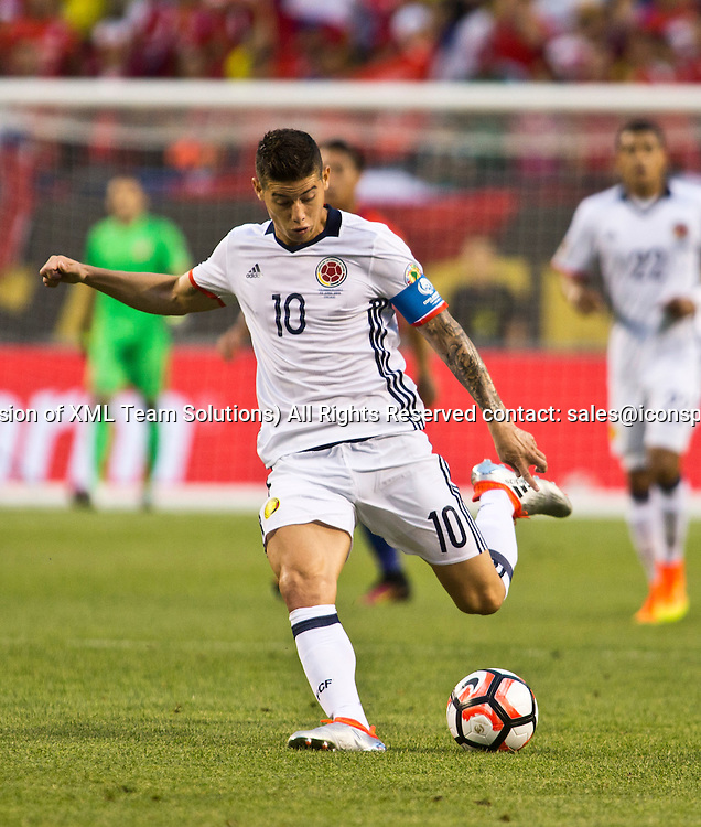 22 June 2016: Colombia midfielder James Rodriguez (10) kick the ball during the Copa America Centenario Semifinal match between Colombia and Chile, at Soldier Field in Chicago, IL. (Photo by Tony Ding/Icon Sportswire)
