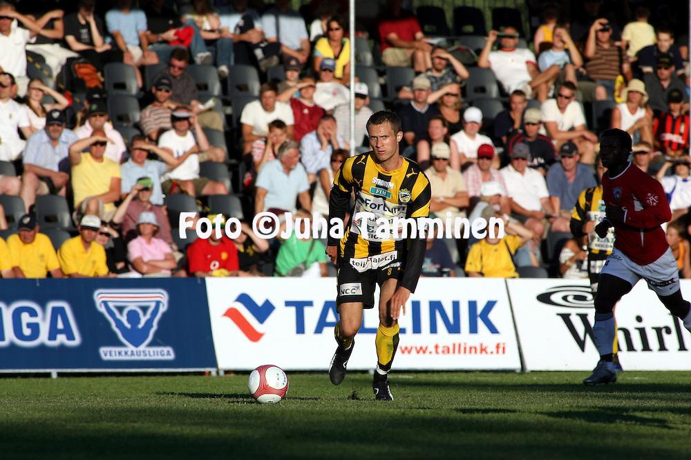 16.07.2006, Tapiolan Urheilupuisto, Espoo, Finland..Veikkausliiga 2006 - Finnish League 2006.FC Honka - FC Inter.Hannu Patronen - Honka.©Juha Tamminen.....ARK:k