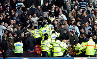 Photo: Leigh Quinnell.<br /> Nottingham Forest v Swansea. Coca Cola League 1. 11/02/2006. Swansea fans fight with police.