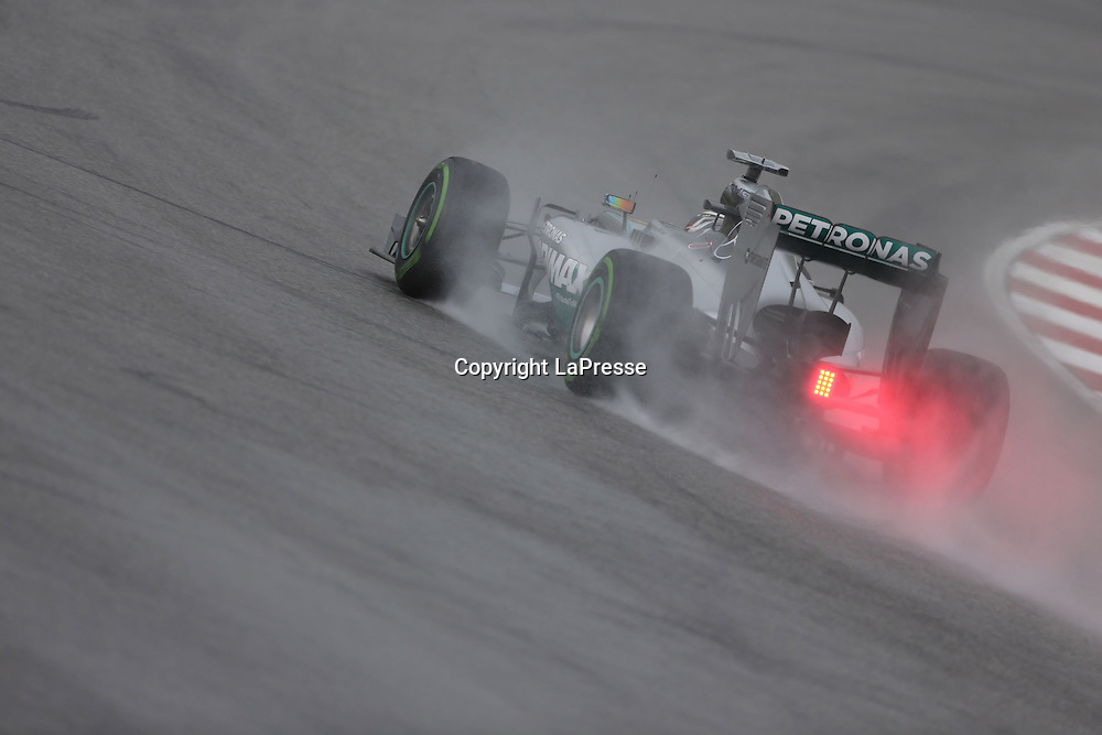 &copy; Photo4 / LaPresse<br /> 29/3/2014 Sepang, Malaysia<br /> Sport <br /> Grand Prix Formula One Malaysia 2014<br /> In the pic: Lewis Hamilton (GBR) Mercedes AMG F1 W05