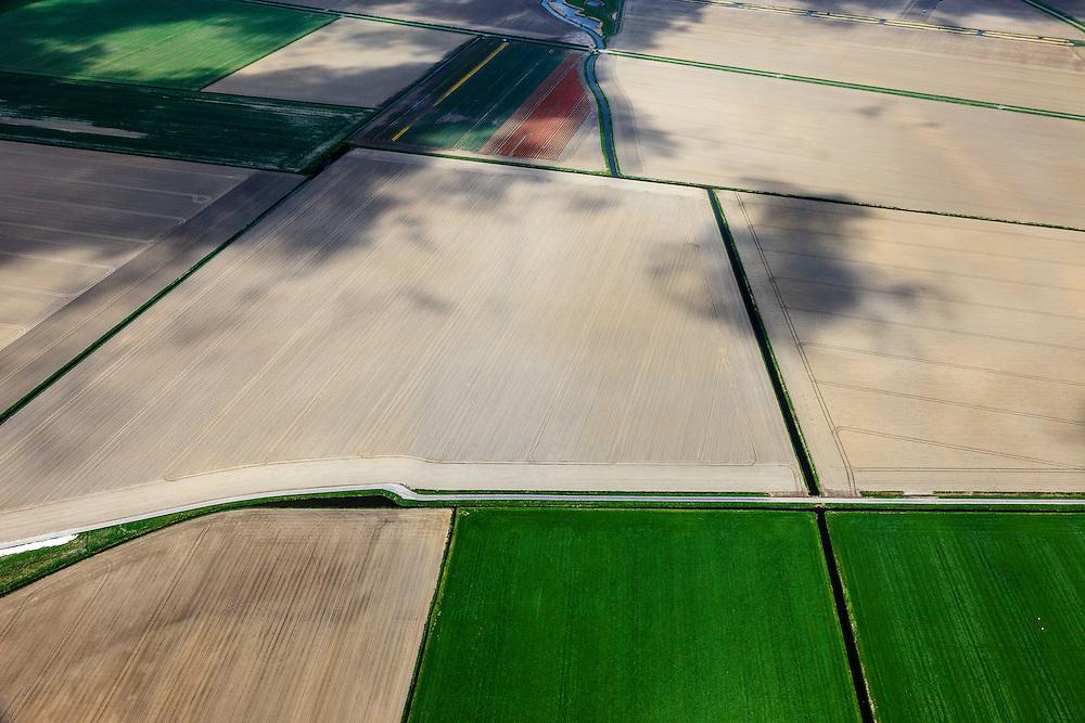 Nederland, Zuid-Holland, Goeree-Overflakkee, 09-05-2013; Zuidkreek, ten zuiden van Middelharnis.<br /> Droge akkers. <br /> South Holland Islands, arid fields. <br /> luchtfoto (toeslag op standard tarieven)<br /> aerial photo (additional fee required)<br /> copyright foto/photo Siebe Swart