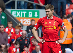 27.04.2014, Anfield, Liverpool, ENG, Premier League, FC Liverpool vs FC Chelsea, 36. Runde, im Bild Liverpool's captain Steven Gerrard looks dejected // during the English Premier League 36th round match between Liverpool FC and Chelsea FC at Anfield in Liverpool, Great Britain on 2014/04/27. EXPA Pictures © 2014, PhotoCredit: EXPA/ Propagandaphoto/ David Rawcliffe<br /> <br /> *****ATTENTION - OUT of ENG, GBR*****