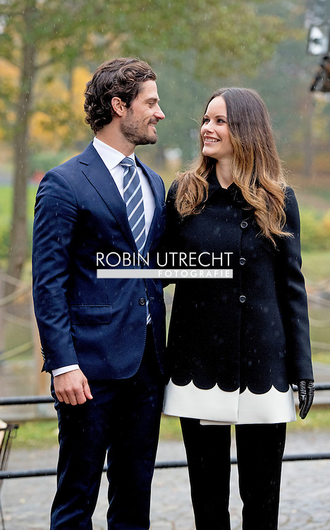 21-10-2016 S&auml;ffle  SWEDEN - Prince Carl Philip and Princess Sofia &rsquo;s official visit to V&auml;rmland 21 October 2016 S&auml;ffle Municipality is a municipality in the county of V&auml;rmland. S&auml;ffle received its town charter in 1951 and is the youngest city in Sweden. During the visit, the Prince couple will take part of the cultural and business life of S&auml;ffle. After the reception at the front of the City Hall, the Prince couple will have lunch at &ldquo;Stenmagasinet&rdquo;. After lunch, the Prince couple will visit &ldquo;Gamla Vattentornet&rdquo;, where they will take part of the glass artist Ingalena Klenell&rsquo;s art installation of a larger glass artwork. The Prince couple will end their visit in S&auml;ffle with a visit to the company SOMAS. The company is one of the world leading companies in regulating and shutoff valves to the international pulp and paper industry. The company was founded in 1945. COPYRIGHT ROBIN UTRECHT<br /> Prins Carl Philip en Princess Sofia 's officieel bezoek aan V&auml;rmland 21 oktober 2016