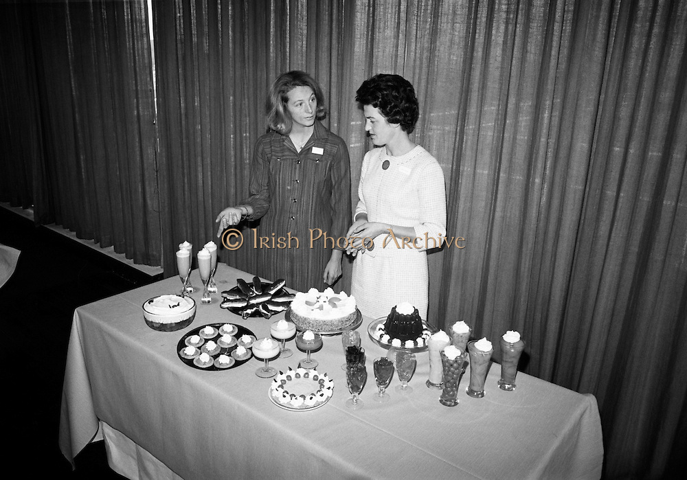 'Dream Topping' launched by Birds at Intercontinental Hotel. The topping was marketed as 'a great standby to have in the cupboard'. .06.10.1966