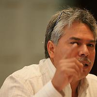 Toluca, Mex.- Arturo Delfín Loya, secretario general del Sindicato Único de Trabajadores de la Industria Nuclear (SUTIN), emplazó a huelga para el próximo 1 de abril, a partir de las 00:00 horas, debido a que no se les resuelve la demanda de un incremento salarial de por lo menos 16 por ciento. Agencia MVT / Mario Vazquez de la Torre. (DIGITAL)<br /> <br /> <br /> <br /> NO ARCHIVAR - NO ARCHIVE