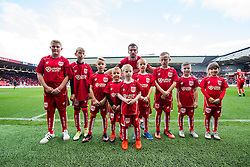 Gary O'Neil of Bristol City poses with the mascots - Rogan Thomson/JMP - 22/10/2016 - FOOTBALL - Ashton Gate Stadium - Bristol, England - Bristol City v Blackburn Rovers - Sky Bet EFL Championship.
