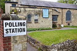 © Licensed to London News Pictures.  07/05/2015. OXFORD, UK. General view (GV) of the Rose Hill polling station in Oxford. It opened this morning for the 2015 general election  with an incomplete copy of the electoral register forcing dozens of people to queue. Some were unable to vote before they have to leave to get to work on time.  Photo credit: Cliff Hide/LNP