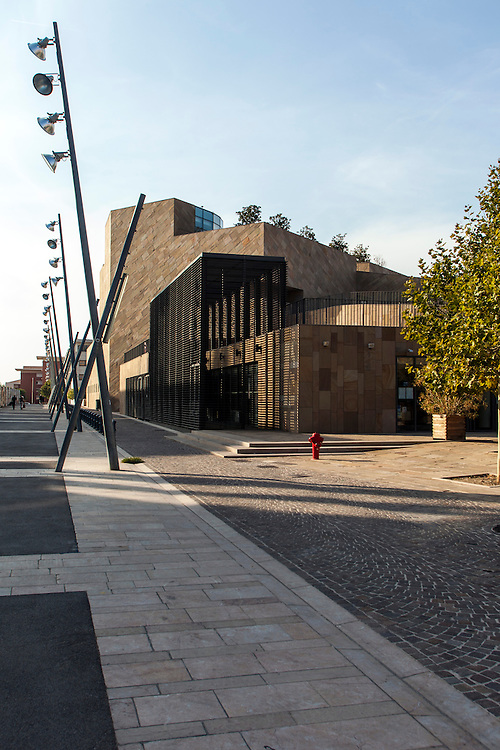 Outside view of Grand Théâtre de Provence - Architecture by Vittorio Gregotti