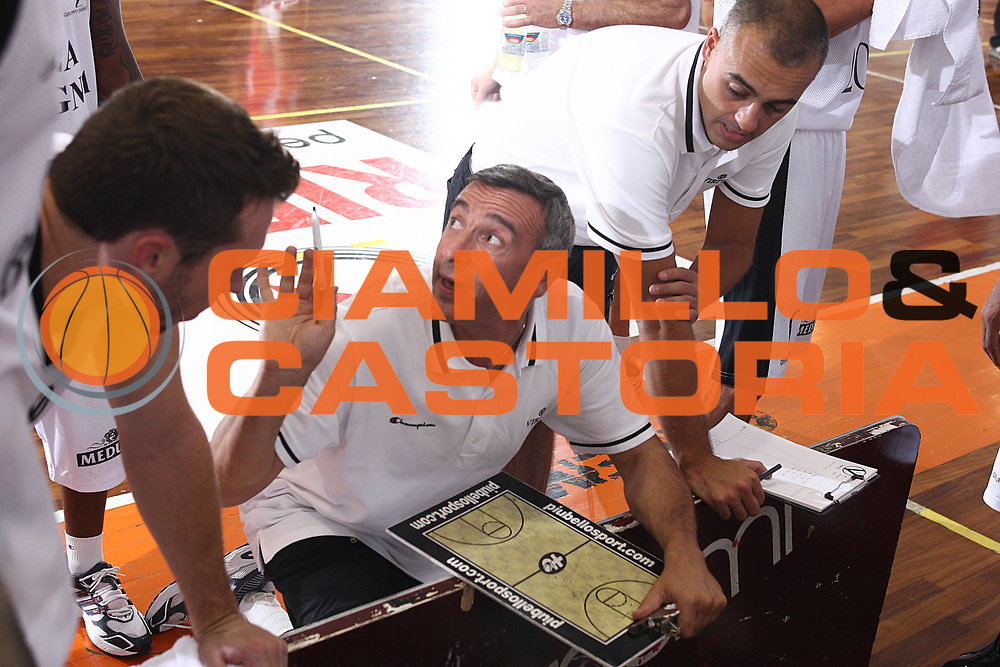 DESCRIZIONE : Castelfiorentino Lega A 2009-10 Basket Torneo V. Martini Virtus Bologna Bancatercas Teramo<br /> GIOCATORE : Lino Lardo<br /> SQUADRA : Virtus Bologna <br /> EVENTO : Campionato Lega A 2009-2010 <br /> GARA : Virtus Bologna Bancatercas Teramo<br /> DATA : 12/09/2009<br /> CATEGORIA : coach<br /> SPORT : Pallacanestro <br /> AUTORE : Agenzia Ciamillo-Castoria/C.De Massis