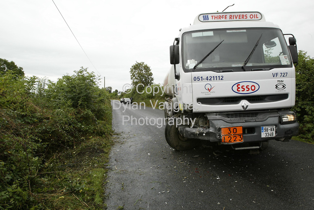 2/10/2002 Irish Independent News.The Scene of a fatal car crash in Mount Loftus near Goresbridge county Kilkenny yesterday..Picture Dylan Vaughan