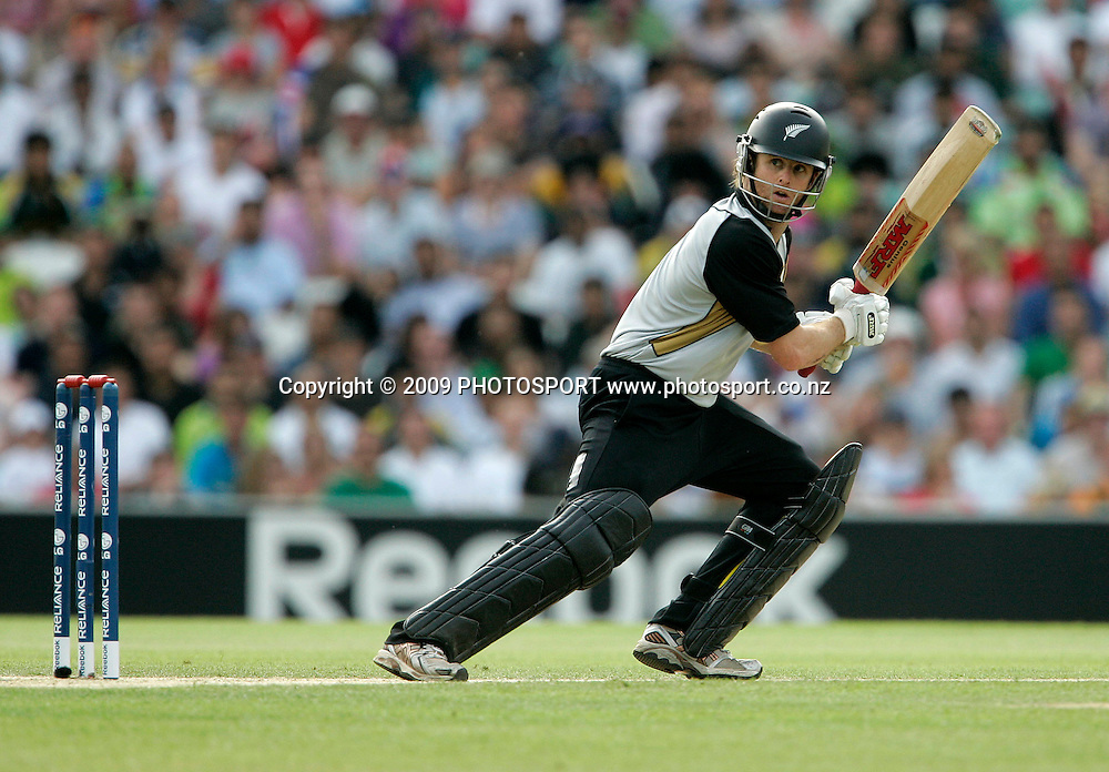 during the ICC World Twenty20 Cup match between the New Zealand Black Caps and Pakistan at the Oval, London, England, 13 June, 2009. Photo: PHOTOSPORT
