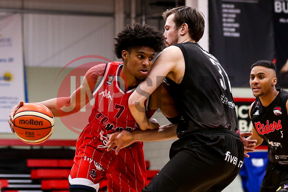 Justin Gray of Bristol Flyers takes on Andy Thomson of Leicester Riders - Photo mandatory by-line: Robbie Stephenson/JMP - 11/01/2019 - BASKETBALL - Leicester Sports Arena - Leicester, England - Leicester Riders v Bristol Flyers - British Basketball League Championship