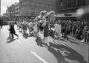St Patrick's Day Parade.1982.17/03/1982.03.17.1982.Photo of Superquinn staff taking part in the parade,passing through O'Connell St.