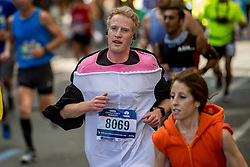 06-11-2016 USA: NYC Marathon We Run 2 Change Diabetes day 3, New York<br /> De dag van de marathon, 42 km en 195 meter door de straten van Staten Island, Brooklyn, Queens, The Bronx en Manhattan / Runners, lopers, algemeen