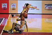 DESCRIZIONE : Venezia Lega A Femminile 2015-16 Umana Reyer Venezia - Umbertide<br /> GIOCATORE : debora carangelo<br /> CATEGORIA : Palleggio Equilibrio<br /> SQUADRA :  Umana Reyer Venezia - Umbertide<br /> EVENTO : Campionato Lega A 2015-2016 <br /> GARA : Umana Reyer Venezia - Umbertine<br /> DATA : 25/10/2015 <br /> SPORT : Pallacanestro <br /> AUTORE : Agenzia Ciamillo-Castoria/M.Gregolin<br /> Galleria : Lega Basket A 2015-2016 <br /> Fotonotizia : Venezia Lega A Femminile 2015-16 Umana Reyer Venezia - Umbertide