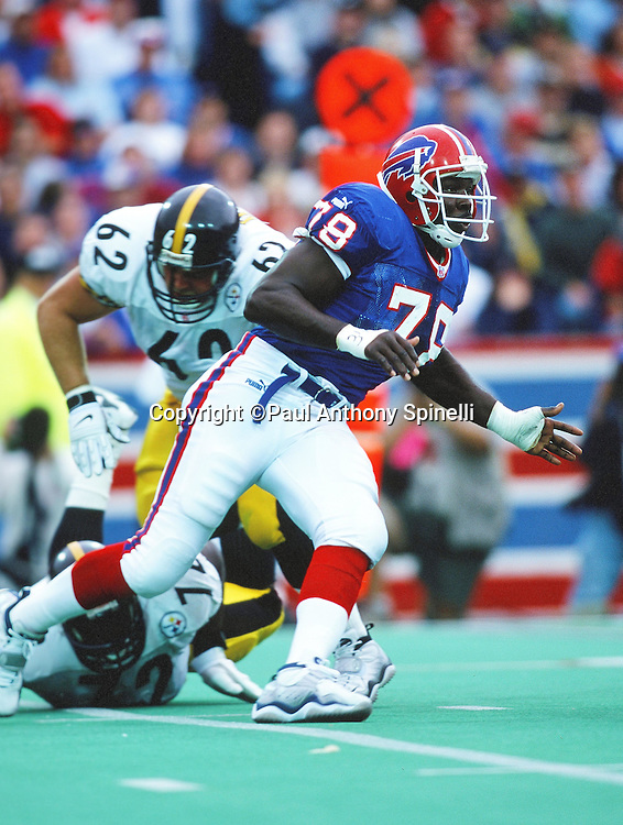 Buffalo Bills defensive end Bruce Smith (78) chases the action during the NFL football game against the Pittsburgh Steelers on Oct. 10, 1999 in Orchard Park, N.Y. The Bills won the game 24-21. (©Paul Anthony Spinelli)