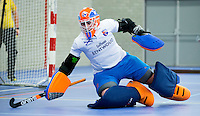 HEEMSKERK- Zaalhockey - Bloemendaal keeper Laura Sluyter. Bloemendaal-Pinoke .   Copyright Koen Suyk