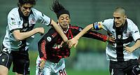 """Paci, Ronaldinho e Morrone.<br /> Parma, 24/03/2010 Stadio """"Tardini""""<br /> Parma-Milan.<br /> Campionato Italiano Serie A 2009/2010<br /> Foto Nicolo' Zangirolami Insidefoto"""
