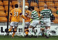 Photo: Paul Thomas.<br /> Motherwell v Glasgow Celtic. Bank of Scotland Scottish Premier League. 30/12/2006.<br /> <br /> Darren Smith (23) of Motherwell scores to make it 1 -1, right on full -time.