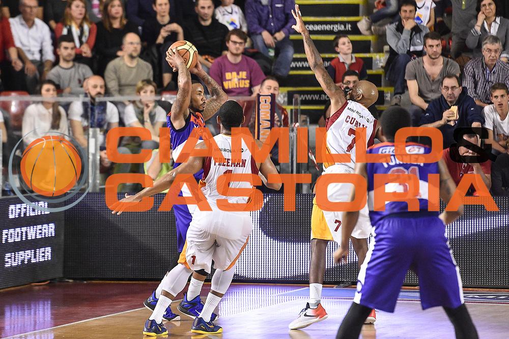 DESCRIZIONE : Campionato 2014/15 Virtus Acea Roma - Enel Brindisi<br /> GIOCATORE : Marcus Denmon<br /> CATEGORIA : Passaggio Controcampo<br /> SQUADRA : Enel Brindisi<br /> EVENTO : LegaBasket Serie A Beko 2014/2015<br /> GARA : Virtus Acea Roma - Enel Brindisi<br /> DATA : 19/04/2015<br /> SPORT : Pallacanestro <br /> AUTORE : Agenzia Ciamillo-Castoria/GiulioCiamillo