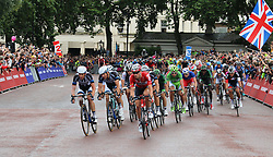 © Licensed to London News Pictures. 07/07/2014, UK.  Cyclists at Tour de France London, Buckingham Palace, London UK, 07 July 2014. Photo credit : Richard Goldschmidt/Piqtured/LNP