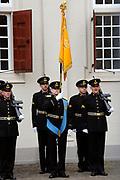 Prinsjesdag 2011 - Paleis Noordeinde Den Haag.  Op Prinsjesdag spreekt het staatshoofd, Koningin Beatrix, de troonrede uit. Daarin geeft de regering aan wat het regeringsbeleid zal zijn voor het komende jaar.<br /> <br /> Prinsjesdag (English: Prince's Day) is the day on which the reigning monarch of the Netherlands (currently Queen Beatrix) addresses a joint session of the Dutch Senate and House of Representatives in the Ridderzaal or Hall of Knights in The Hague. <br /> <br /> Op de foto/ On the Photo Koetsen bij Paleis Noordeinde