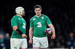 Jonathan Sexton of Ireland speaks to team-mate Rory Best - Mandatory byline: Patrick Khachfe/JMP - 07966 386802 - 27/02/2016 - RUGBY UNION - Twickenham Stadium - London, England - England v Ireland - RBS Six Nations.