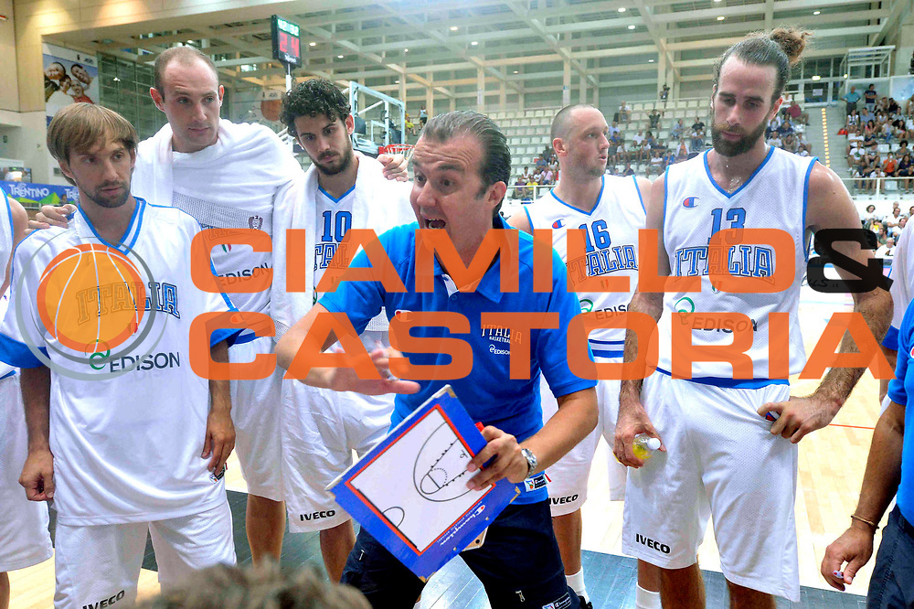 DESCRIZIONE : Trento Trentino Basket Cup Nazionale Italia-Georgia<br /> GIOCATORE : Simone Pianigiani<br /> CATEGORIA : Time Out<br /> SQUADRA : Italia<br /> EVENTO :  Trento Trentino Basket Cup<br /> GARA : Italia-Georgia<br /> DATA : 07/08/2013<br /> SPORT : Pallacanestro<br /> AUTORE : Agenzia Ciamillo-Castoria/GiulioCiamillo<br /> Galleria : FIP Nazionali 2013<br /> Fotonotizia : Trento Trentino Basket Cup Nazionale Italia-Georgia<br /> Predefinita :