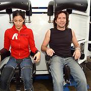 Acteurs bezoeken Six Flags Biddinghuizen, Touriya Haoud en Spiros Chalos